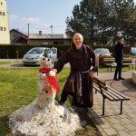 Fra Josip i snježni lega